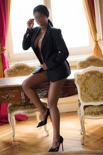 Tandee Elite Executive Escort Windhoek Namibia R8000